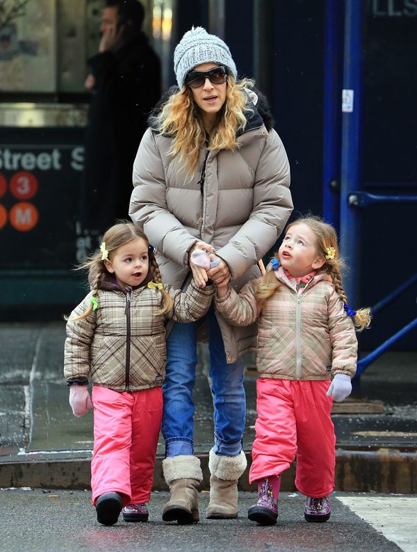 Sarah Jessica Parker Takes Twins To School
