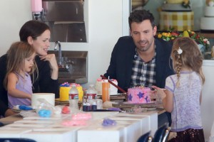 Jennifer Garner And Ben Affleck Spend Time With Their Girls At Cakemix