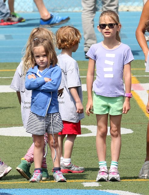 BEN AFFLECK AND JENNIFER GARNER TAKE THE KIDS TO THE TRACK FOR SOME KID RACES