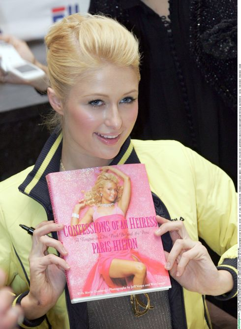 """Paris Hilton promotet ihr Buch  'Confessions of a Heiress' im """"Lotte Department Store"""" in Seoul"""