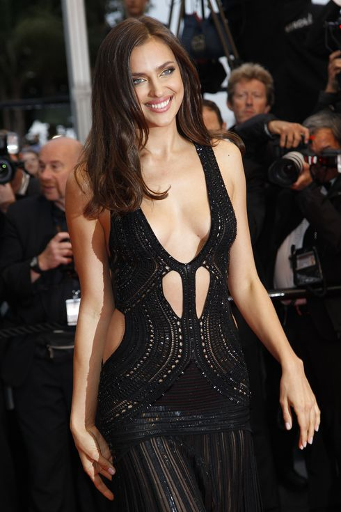 IRINA SHAYK - 66EME FESTIVAL DE CANNES - RED CARPET 'ALL IS LOST'