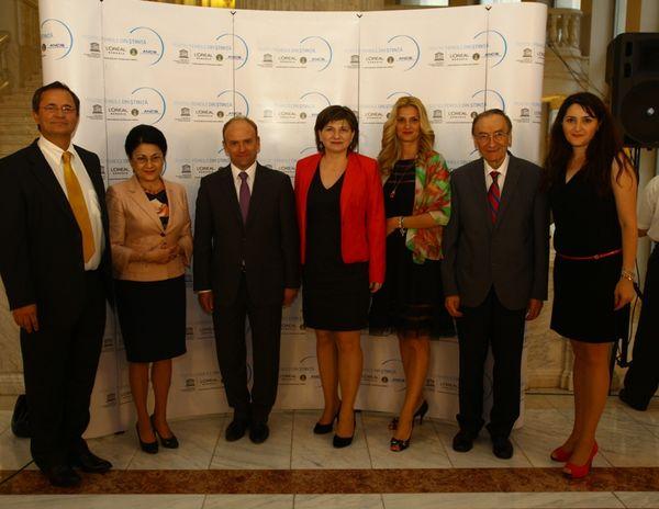 Reprezentanti L'Oreal, Senat, UNESCO