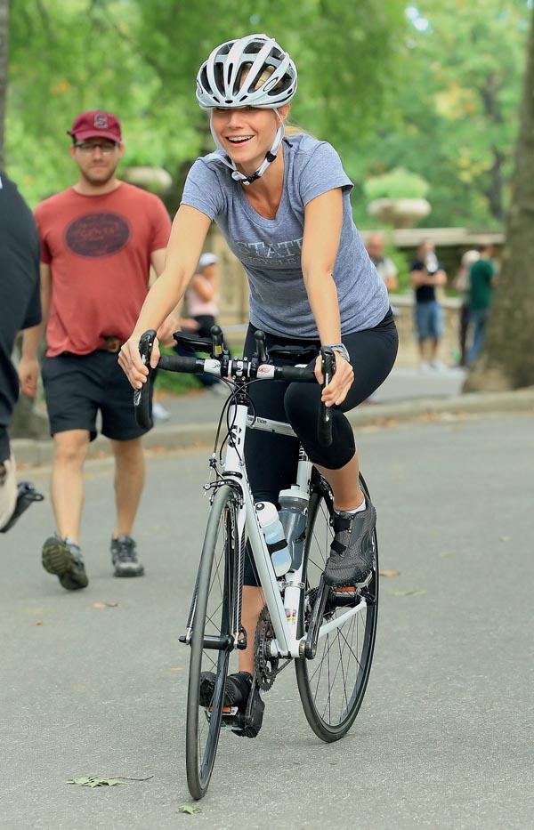 Gwyneth Paltrow and Mark Ruffalo On Set in NYC