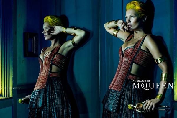 Kate Moss pentru Alexander McQueen