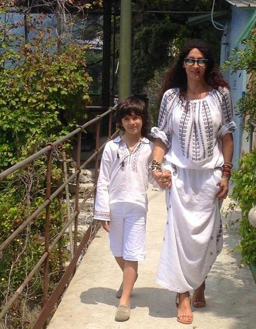 Mihaela si Ayan