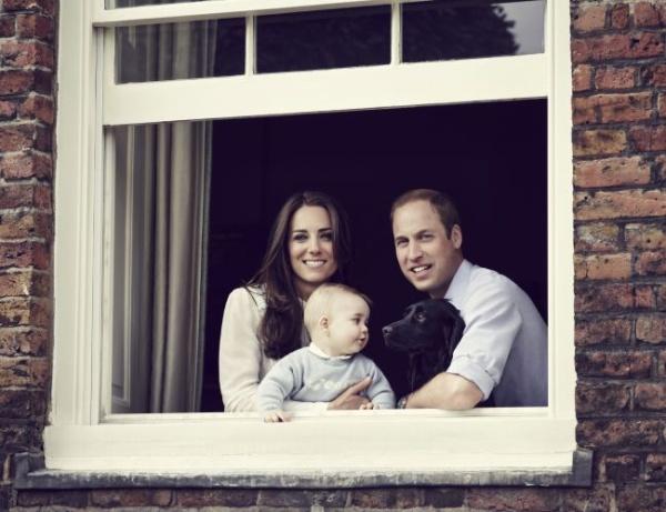 Ducesa de Cambridge, Printul William, Printul George si Lupo