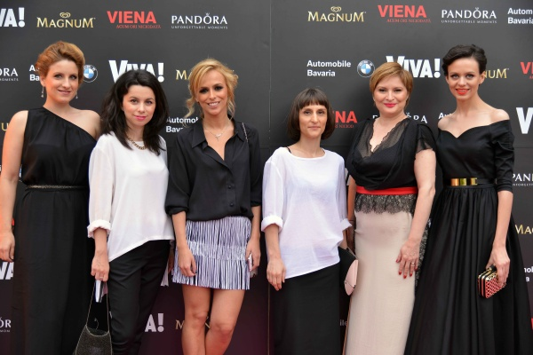 Echipa Viva-Daciana Rudan, Claudia Cojocea, Oana Popoiag, Raluca Tamas, Cristina Stanciulescu si Silvia Cristescu