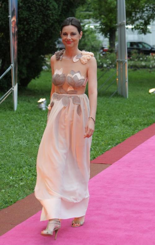 Livia Dila (rochie Kinga Varga)