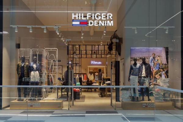 HilfigerDenim store Bucharest1