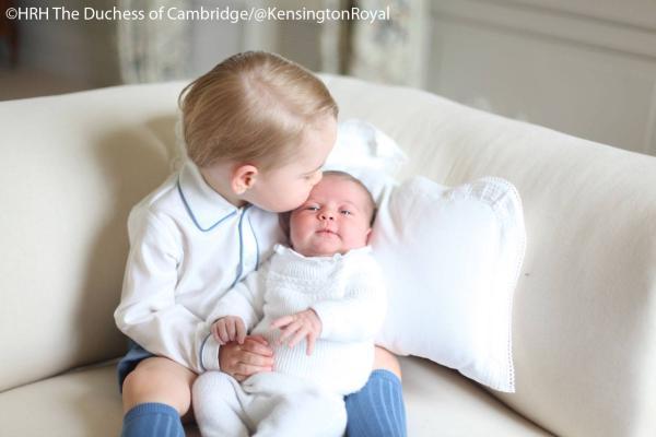 Prințul George și Prințesa Charlotte - dragoste de frați