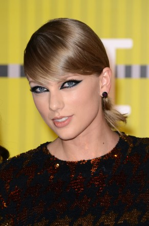 Taylor Swift attends the 2015 MTV Video Music Awards at Microsoft Theater on August 30, 2015 in Los Angeles, California. Photo by Lionel Hahn/AbacaUsa.com