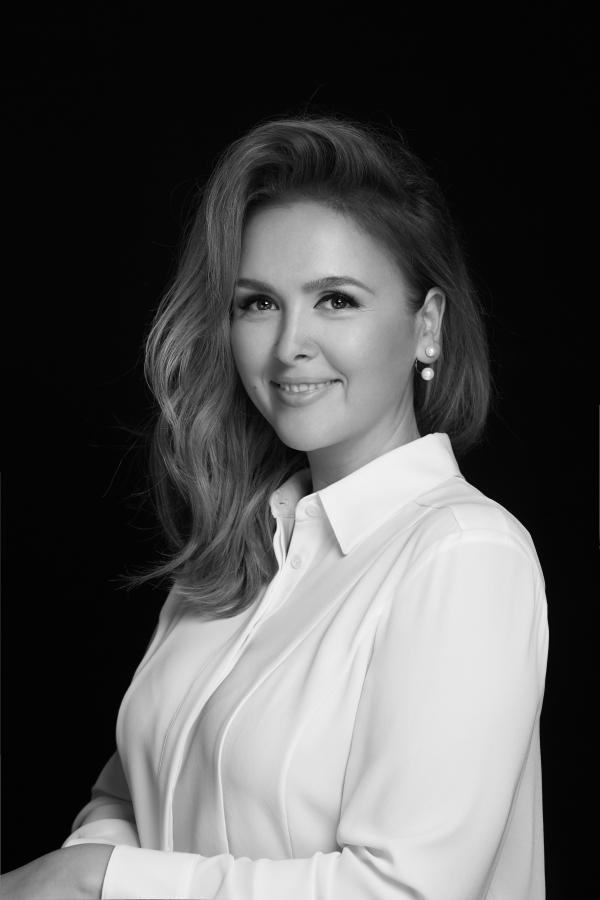 Andra Manea este noul make-up artist oficial L'Oréal Paris   Beauty, Frumusete si Moda   Viva.ro