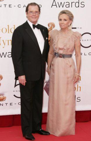 Roger Moore si Christina Knudsen