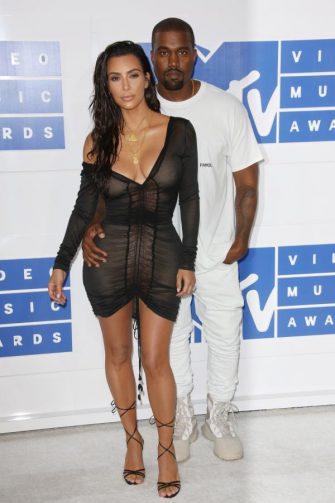 Kim Kardashian si Kanye West