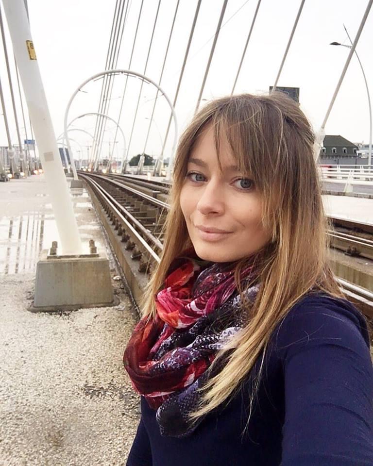 Laura Cosoi