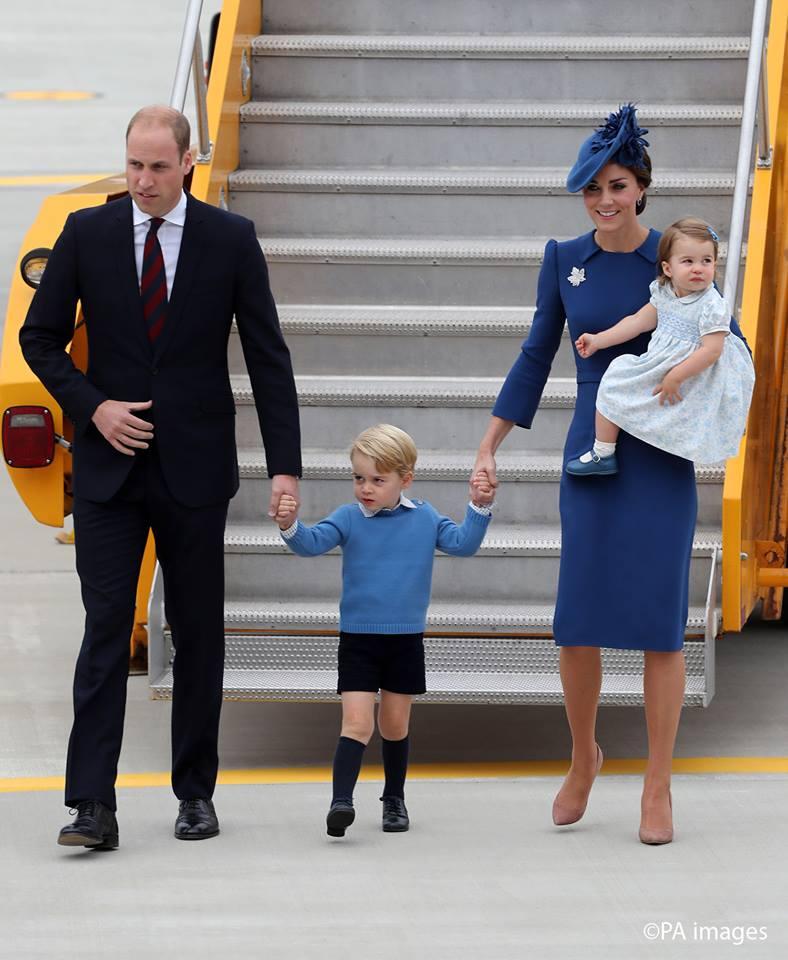 Printul William, Kate Middleton, Printul George și Printesa Charlotte nu ar trebui să zboare împreună în același avion!