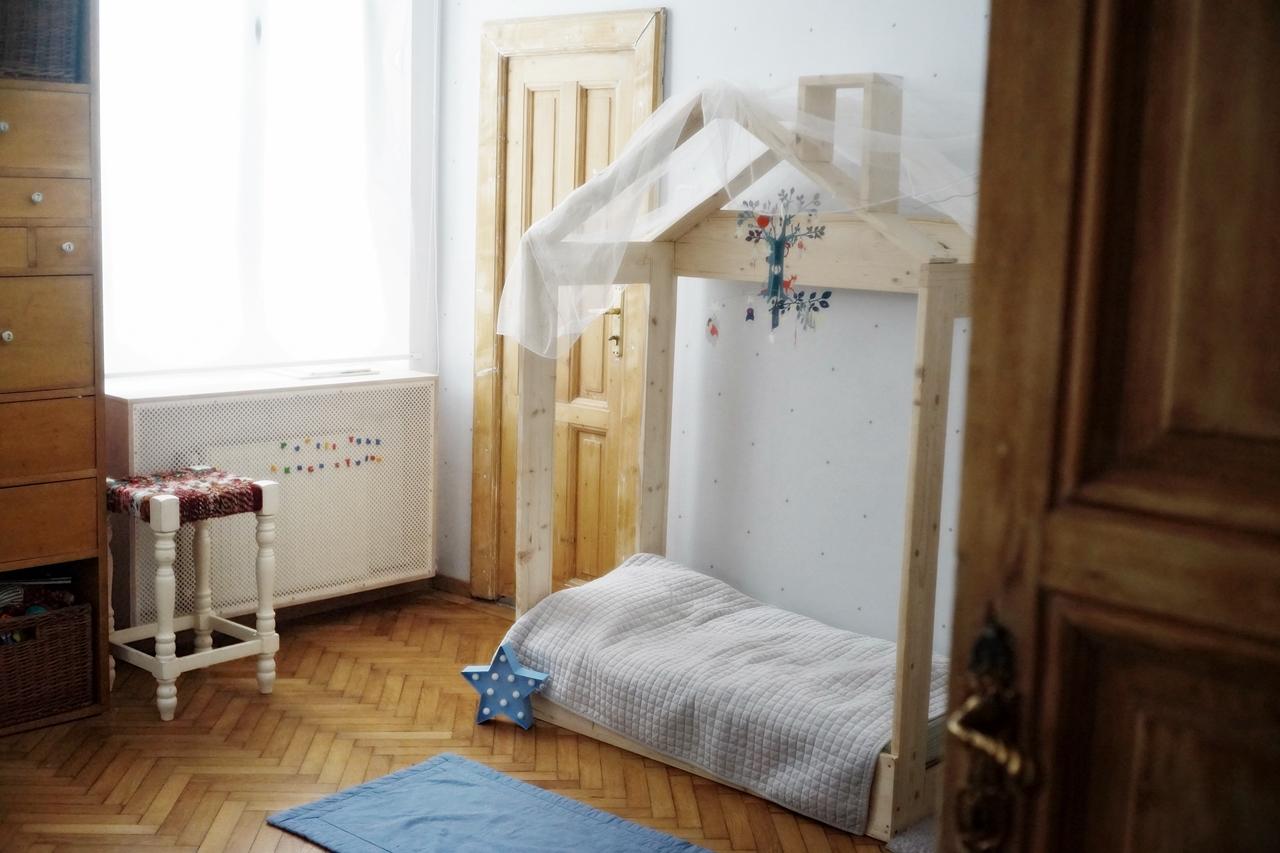 Camera lui Vlad, baietelul Danei Rogoz