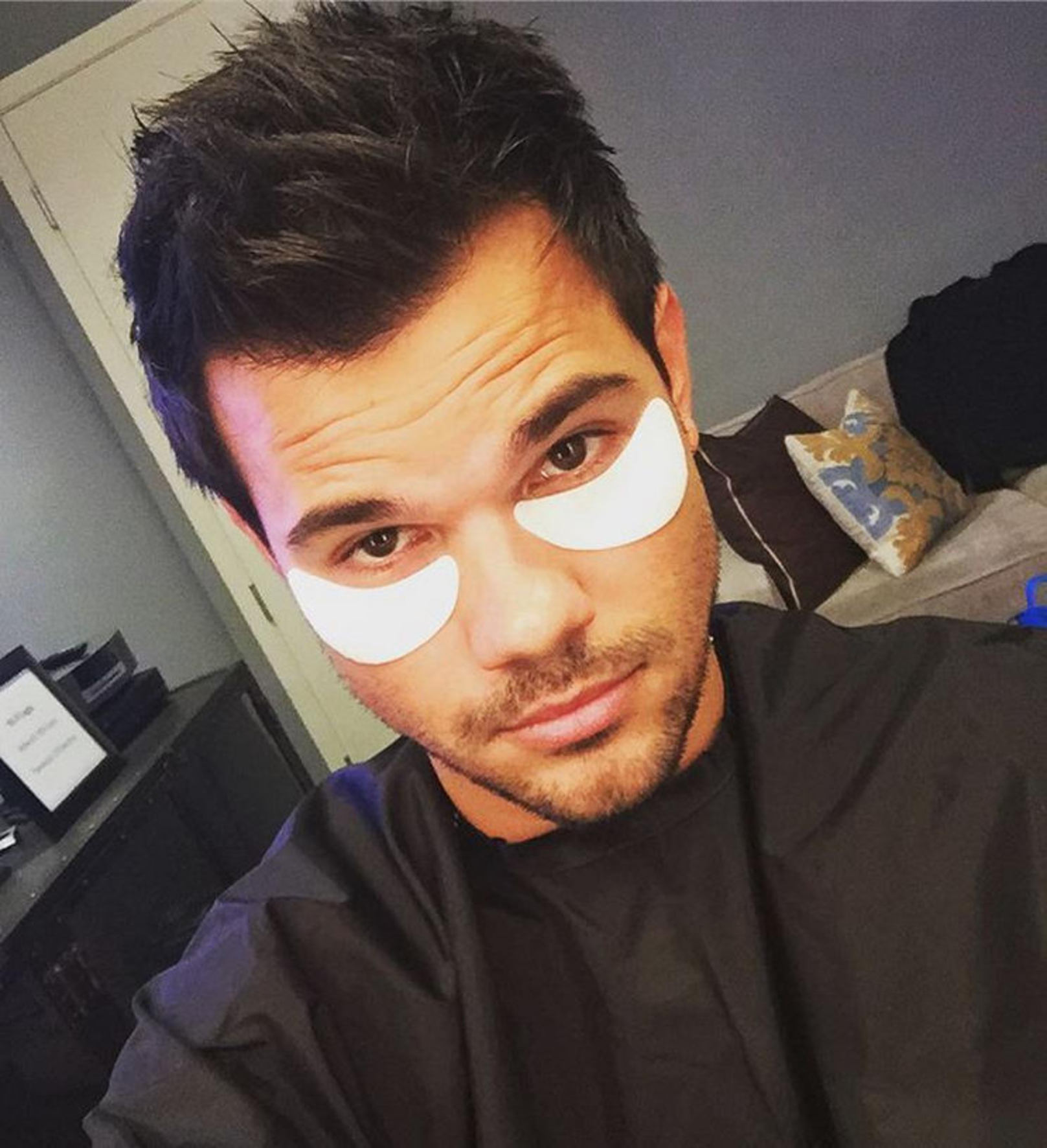 Taylor Lautner - Viva! Katie Holmes Instagram