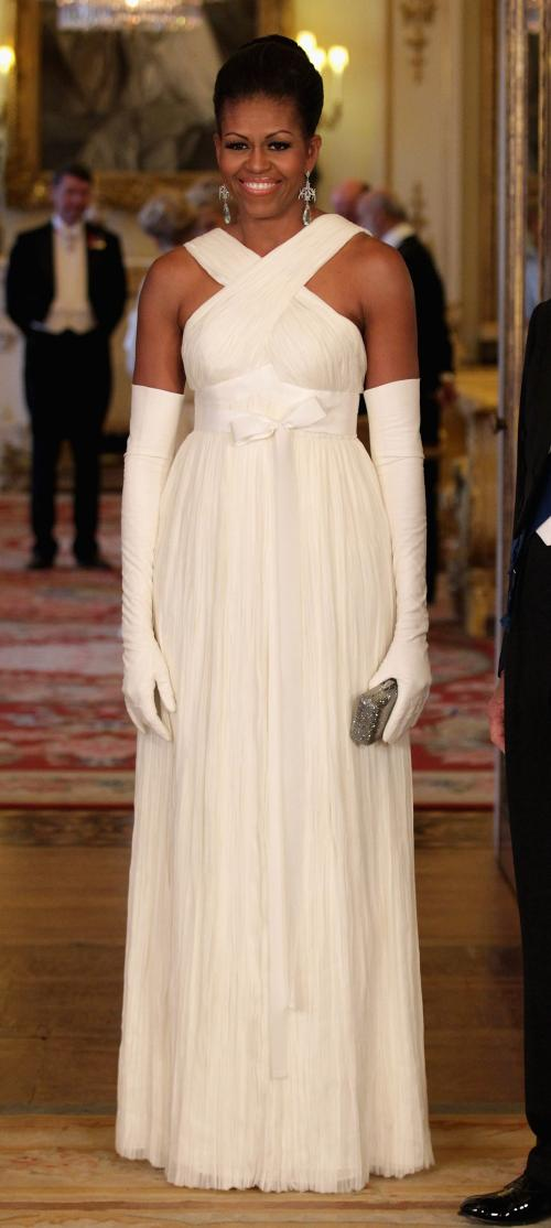 michelle-obama-in-tom-ford-la-palatul-buckingham-2011