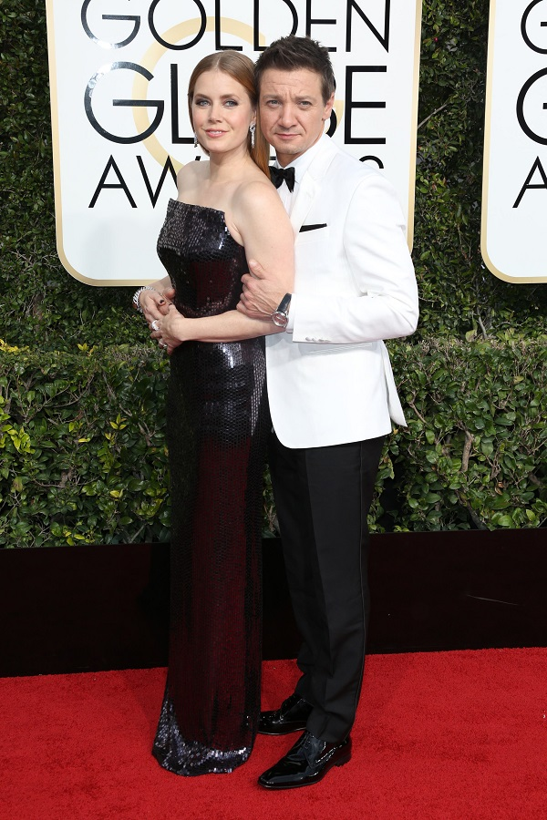 Amy Adams si Jeremy Renner
