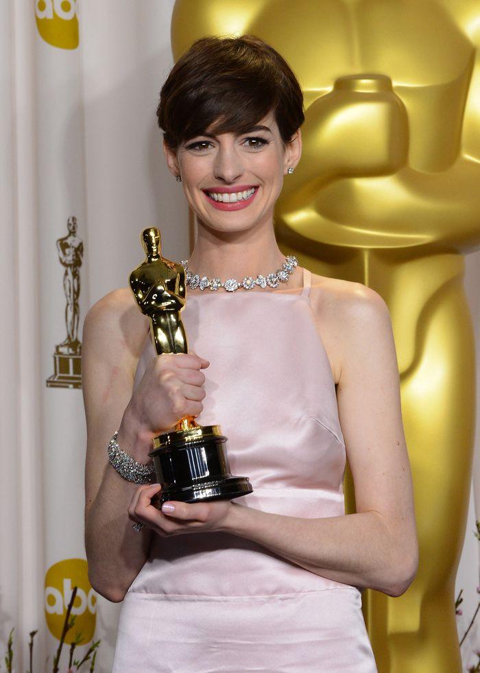 Anne Hathaway - 2013