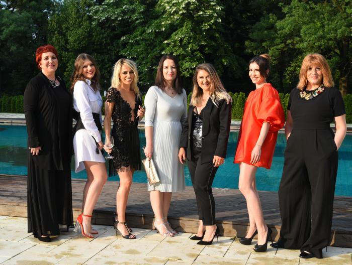Echipa Viva! Oana Enache, Alexandra Popescu, Oana Popoiag, Florentina Liutic, Luana Danet, Adina Vilcea, Laura Merdescu