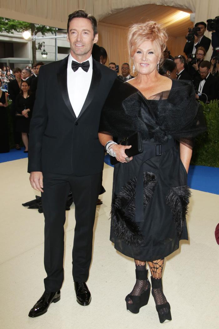 Hugh Grant si Deborah Lee