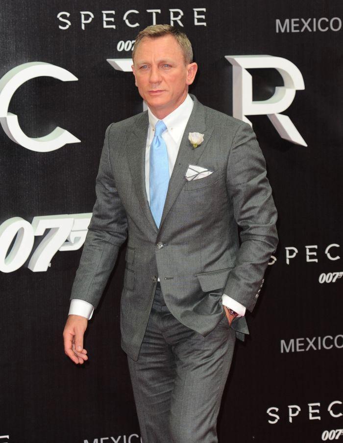 Daniel Craig joac[ rolul lui James Bond din 2005.