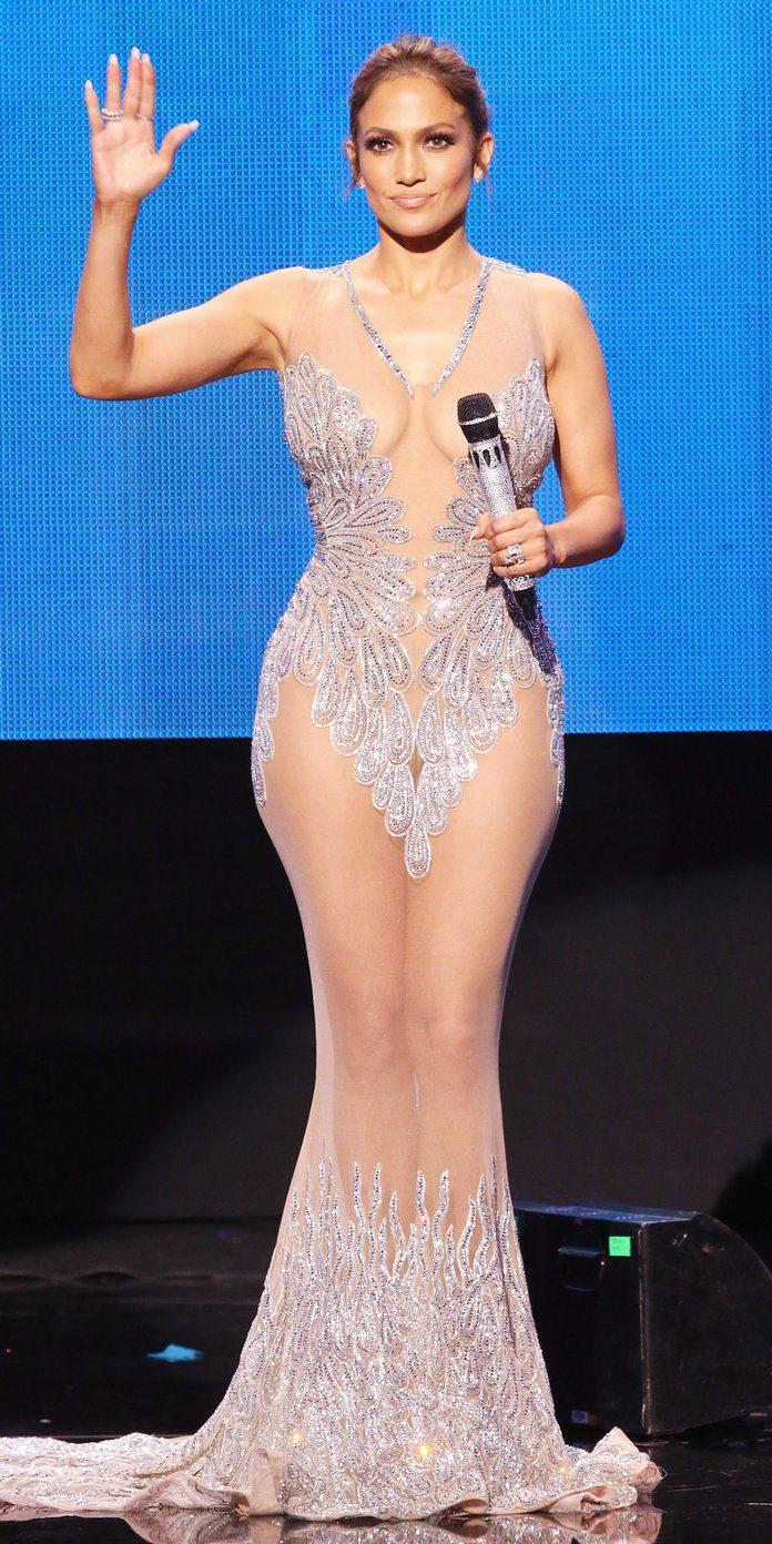 Jennifer Lopez va dona banii din concertul de la Las Vegas pentru victimele uraganului Maria.