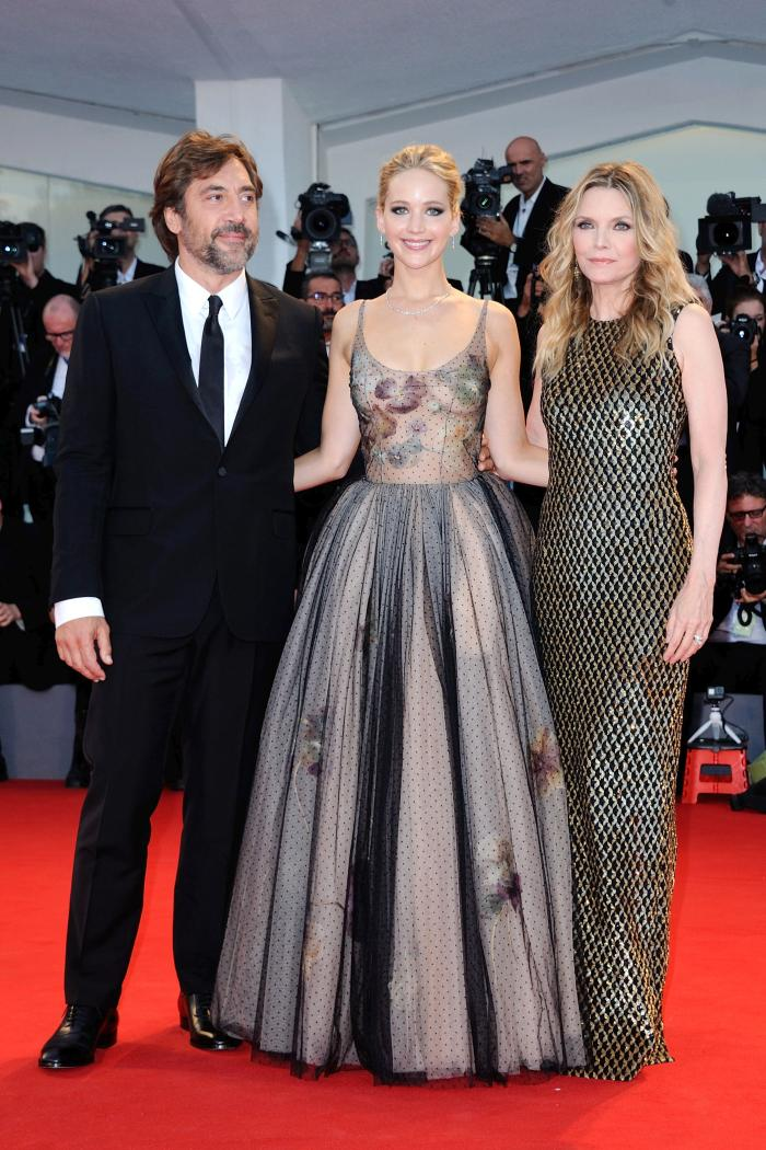 Jennifer Lawrence, Javier Bardem si Michelle Pfeiffer