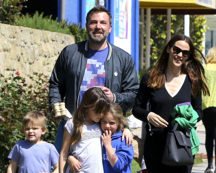 Ben Affleck, alături de Jennifer Garner și cei trei copii ai lor.