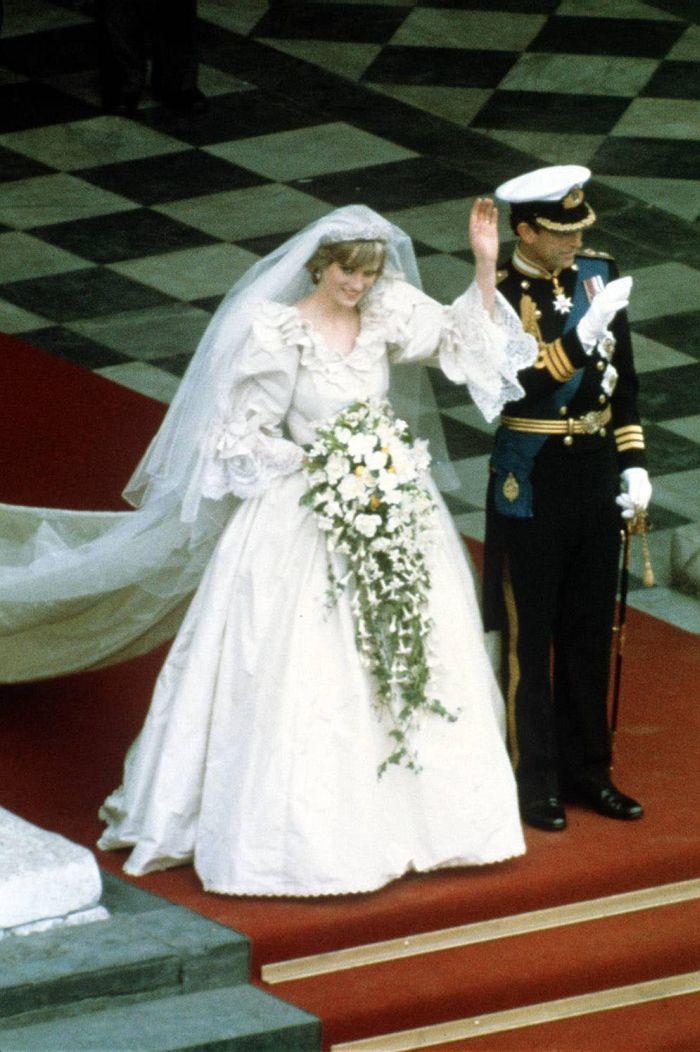 Prințesa Diana și Prințul Charles au avut 3.500 de invitați la nuntă!