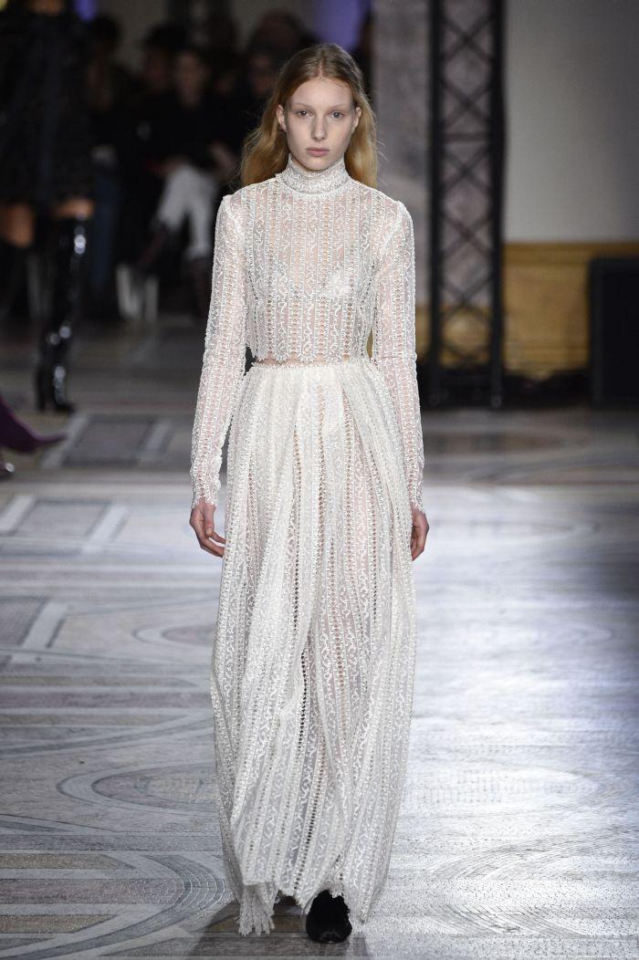 Défilé de mode Giambattista Valli Haute-Couture printemps-été 2018 à Paris