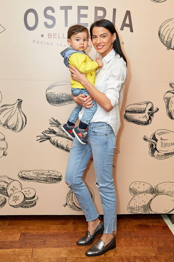 Irina Mohora și fiul ei