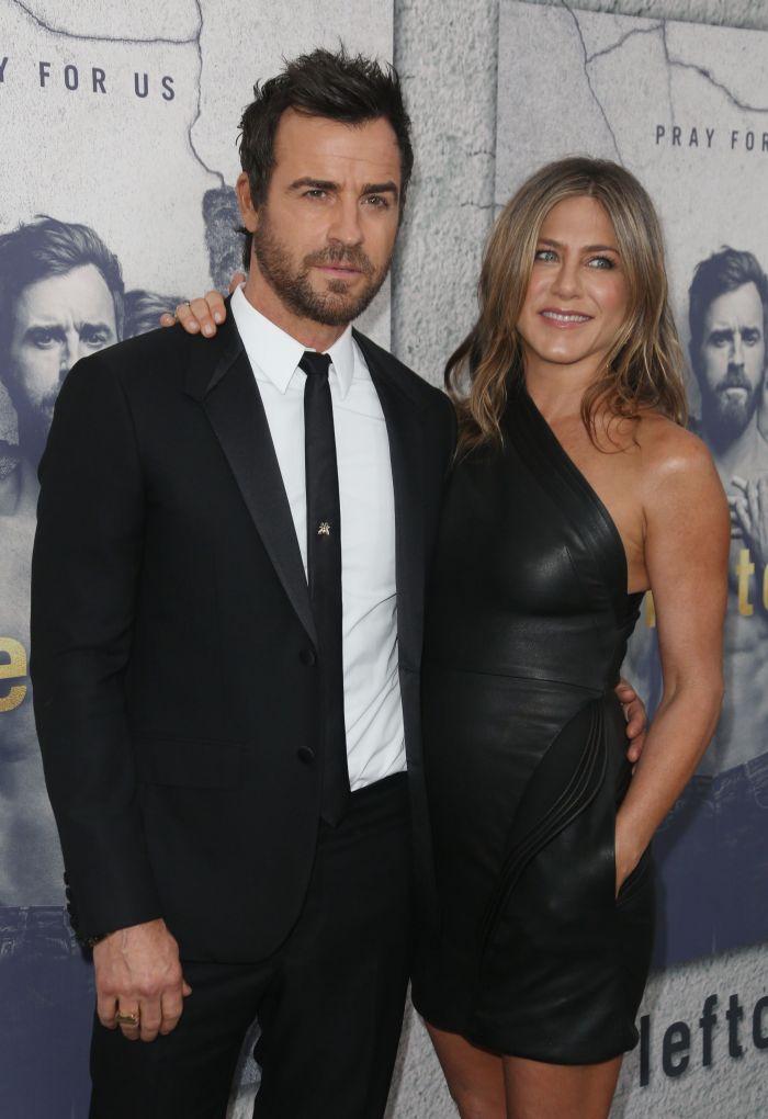 """Jennifer Aniston și Justin Theroux, la premiera sezonului 3 al serialului """"The Leftovers"""", în Los Angeles, aprilie 2017."""