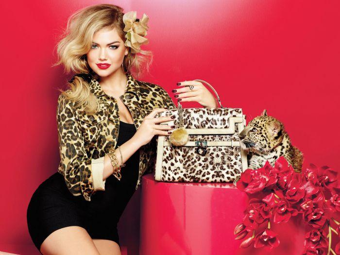 Kate Upton - model pentru colecția de accesorii Guess toamna 2011