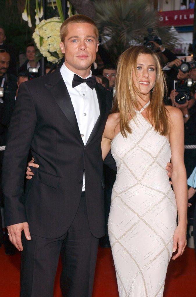 Fanii îi văd pe Brad Pitt și Jennifer Aniston din nou împreună.