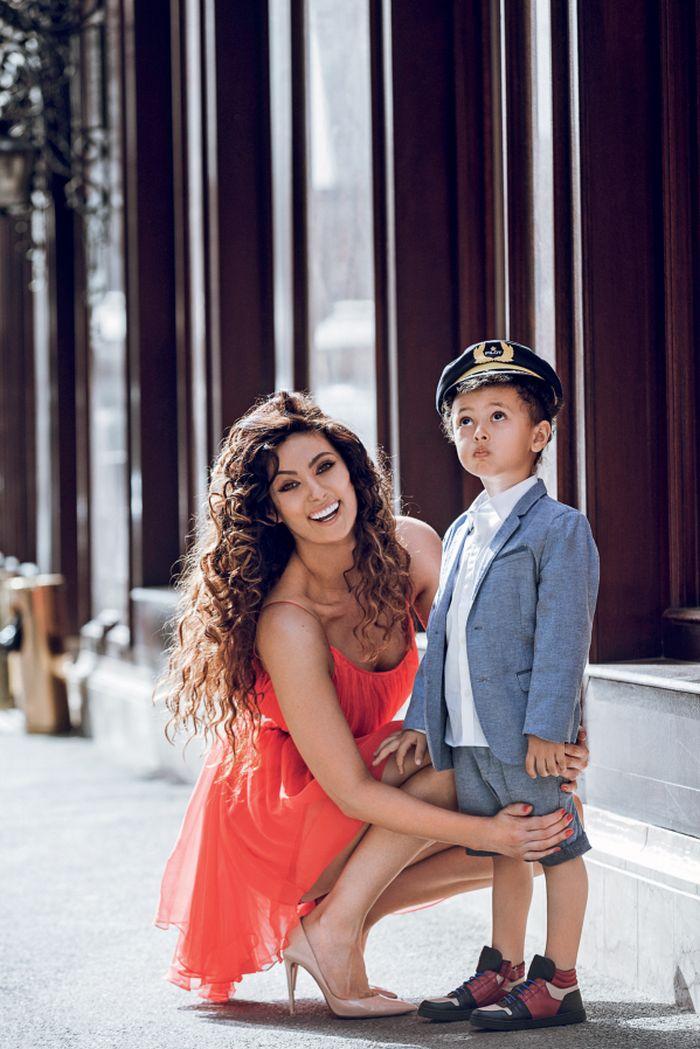 Claudia Pavel și fiul ei, Noah