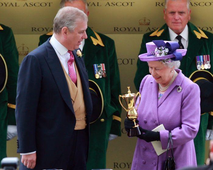 Royal Ascot - Elisabeta a II-a este primul monarh care a câștiga Golden Cup la această competiție.