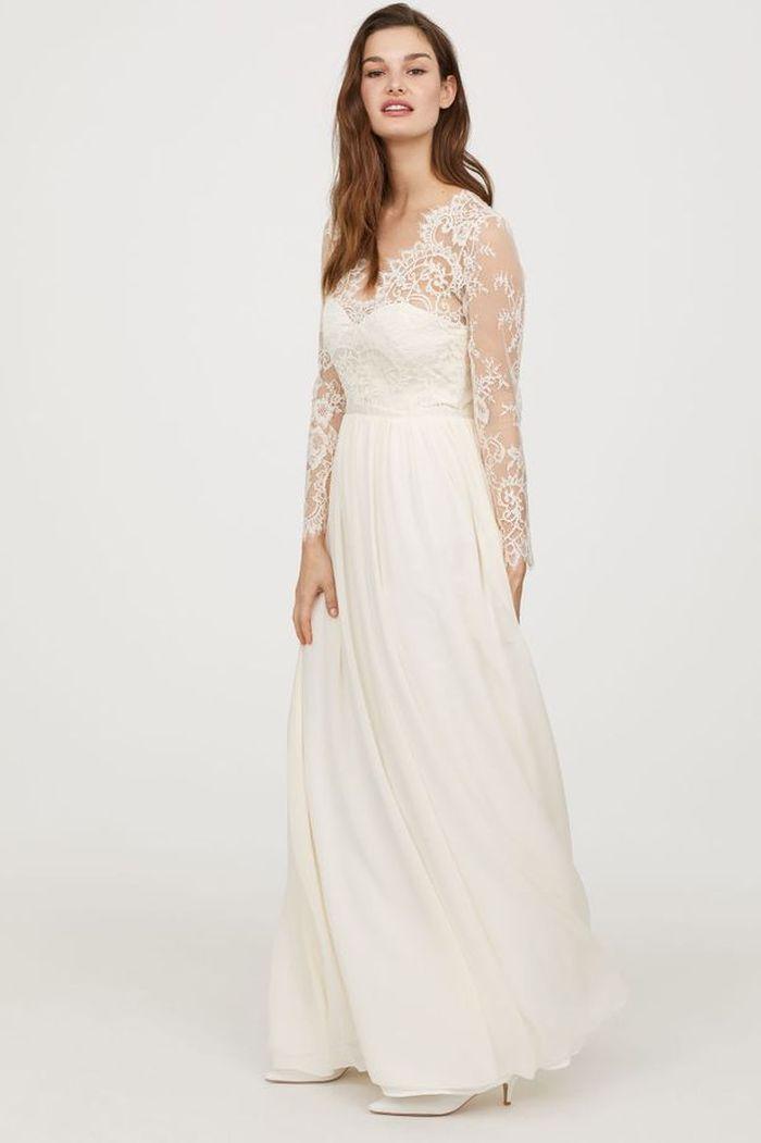 Rochia de mireasă creată de H&M.
