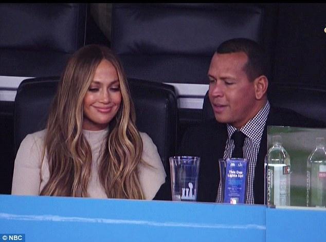 Jennifer Lopez a venit să-l viziteze pe Alex Rodriguez la meci.