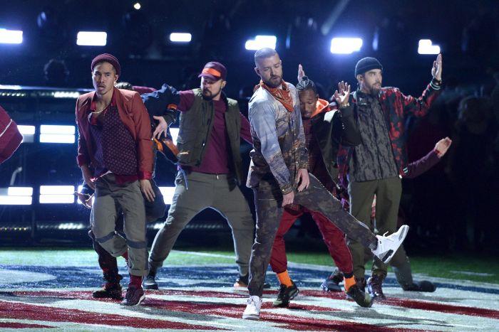 Justin Timberlake și-a întrerupt concertul de dragul unei fane.
