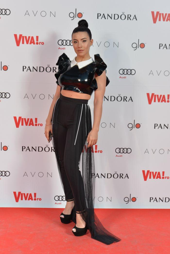 Nicoleta Nucă - top Baden 11, pantaloni Fashion by AV