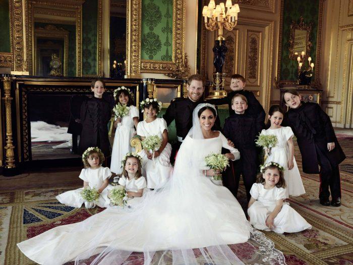 Meghan Markle și Prințul Harry, alături de paji și domnișoarele de onoare. Copiii sunt excesiv de veseli, iar Prințul George îi întrece pe toți.