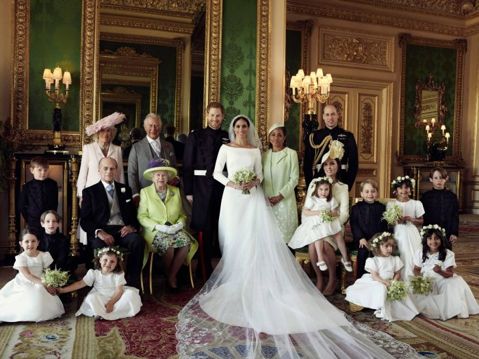 Fotografia oficială a familiei regale la nunta lui Meghan Markle cu Prințul Harry.