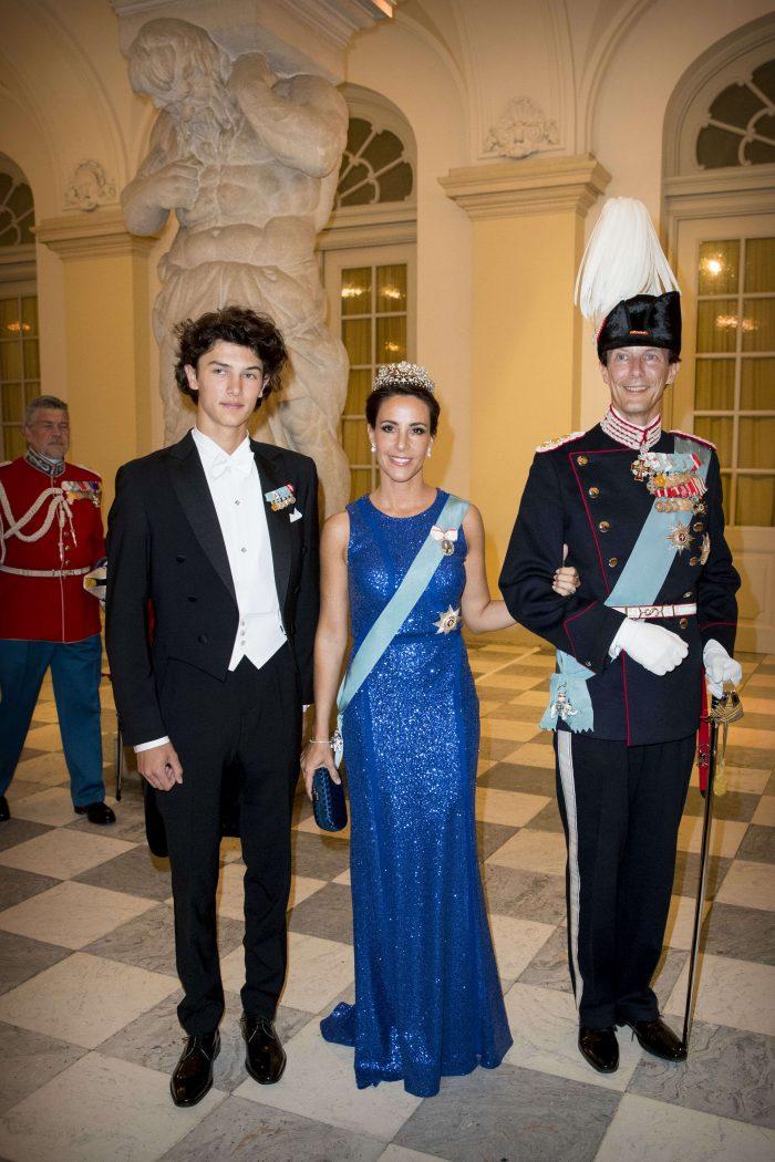 Prințul Nikolai, alături de Prințul Joachim, tatăl său, și Prințesa Marie.