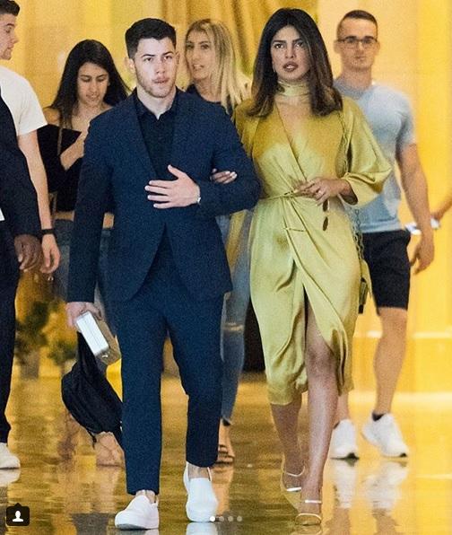 Priyanka Chopra și Nick Jonas sunt un cuplu. Cei doi nu își mai ascund relația!
