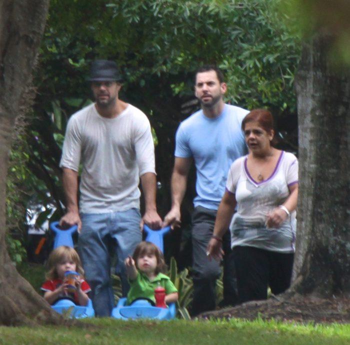 Ricky Martin, alături de Jwan Yosef și cei doi copii gemeni ai artistului, Matteo și Valentino