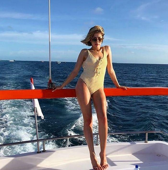 Lidia Buble (25) în Maldive