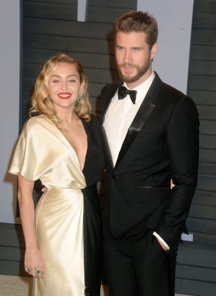 Liam Hemsworth nu a putut-o însoți pe Miley la Premiile Grammy din cauza stării de sănătate.